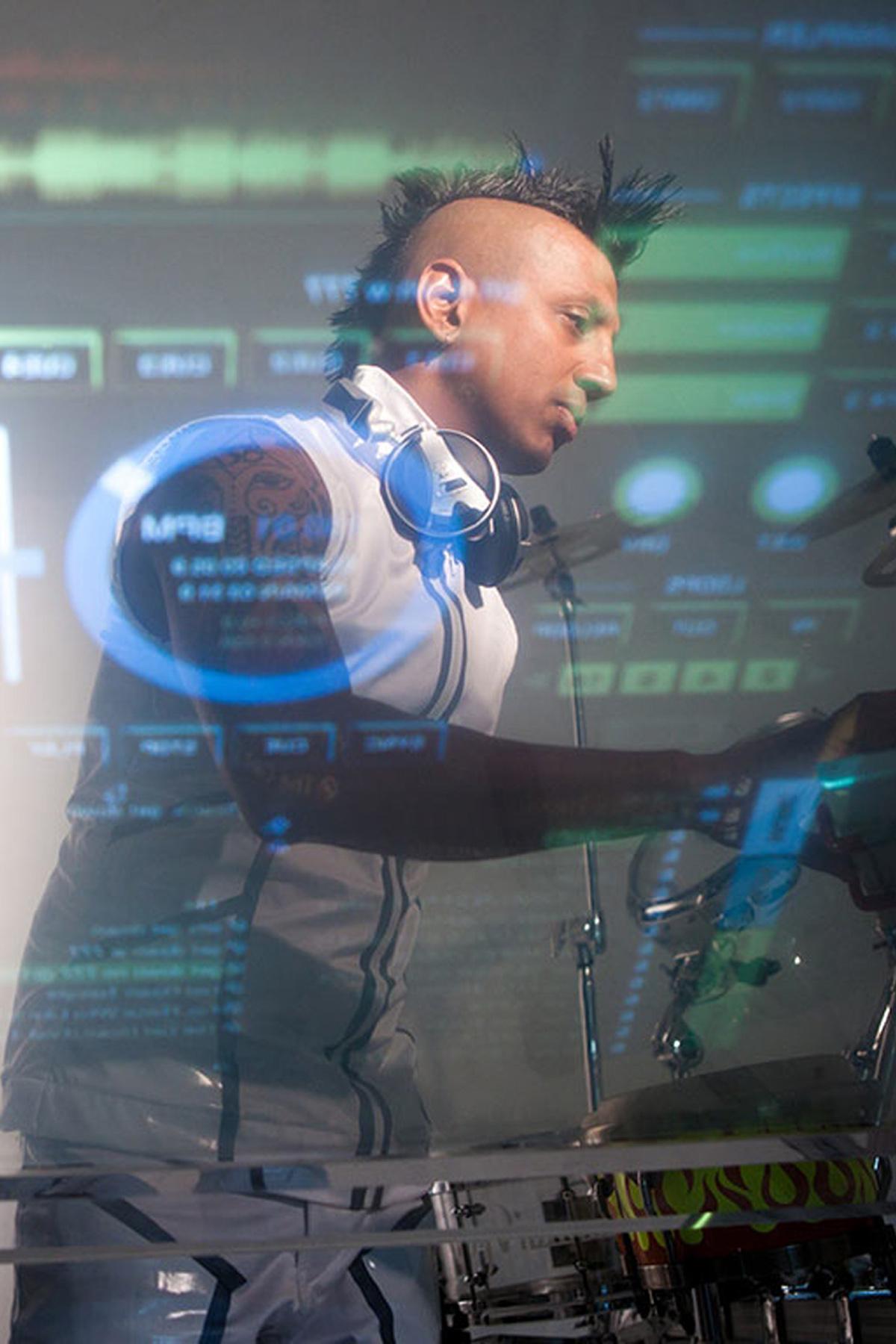 Ravi-Drums-DJ-Live-Drum-Percussion-Remixes-17-768x768-1